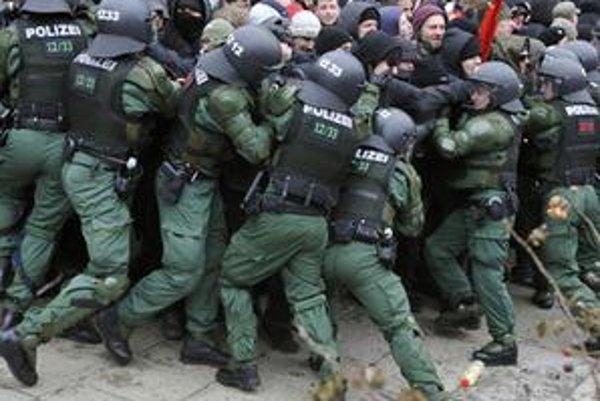 Zásah nemeckej polície proti neonacistom v Drážďanoch