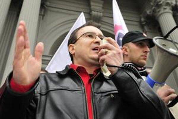 Šéf Dělnickej strany Tomáš Vandas rozsudok privítal.