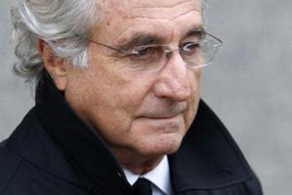 Bernie Madoff zničil životy takmer piatim tisícom svojich klientov.