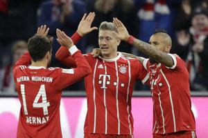 Futbalisti Bayeru sa tešili z víťazstva nad Augsburgom.