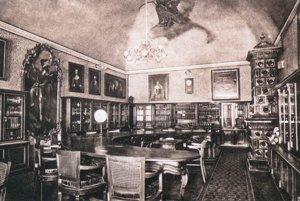 Študovňa kníh Mestskej verejnej knihovne v Košiciach v priestoroch starej radnice.