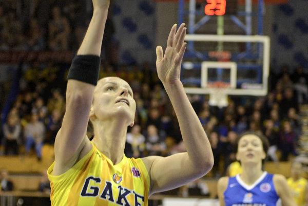 Anna Jurčenková. Ktriumfu basketbalistiek Good Angels prispela 14 bodmi.