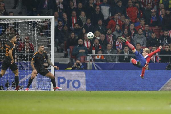 Antoine Griezmann strieľa gól.