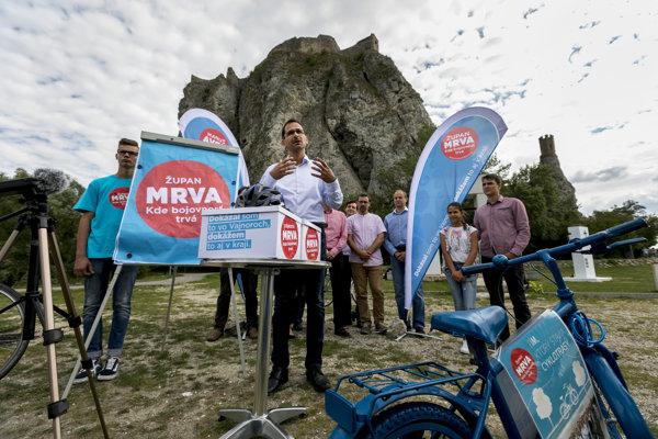 Ján Mrva počas nedávnej kampane pred voľbami do Bratislavského samosprávneho kraja.