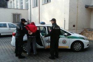 Policajti zobrali Ondreja do väzby.
