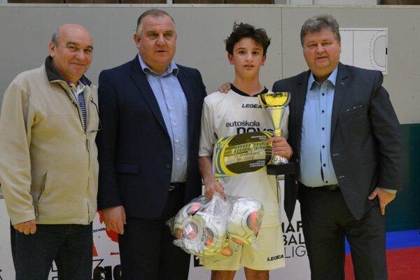 Víťazom v kategórii starších žiakov ObFZ Topoľčany sa stali Jacovce. Tie obhájili titul z minulého ročníka.