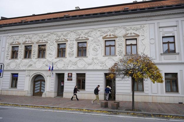 Prešovský súd. Voľných pozícií je 15, uchádzačov bolo 30.