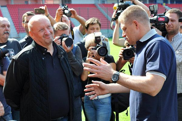 Oligarcha Vladimír Poór s bývalým premiérom Robertom Ficom.