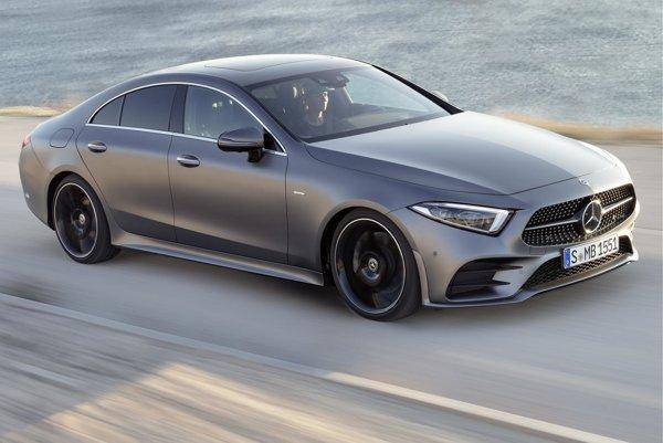 Štvordverové kupé Mercedes-Benz CLS. Model CLS sa vyznačuje mimoriadne čistými líniami karosérie a spája eleganciu a dynamiku športového kupé s komfortom a funkčnosťou štvordverovej limuzíny.
