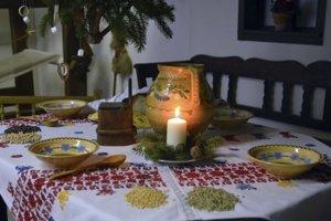 Vianočný stôl kedysi. Bol bohatý a pritom jednoduchý.