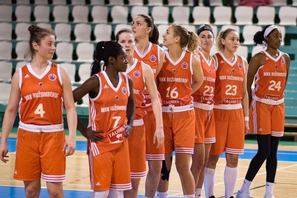 Basketbalistky MBK Ružomberok (s tromi legionárkami) v Nitre splnili úlohu favorita, aj keď nehrali v kompletnej zostave.