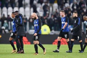 Futbalisti Interu Miláno po stretnutí v Turíne.
