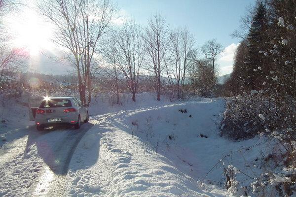 Cesta kcintorínu kedysi išla rovno, po pôvodnej trase však už dnes nie je ani stopa.