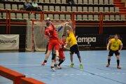 Bystrický (v červenom vo výskoku) dal proti ŠKP deväť gólov.