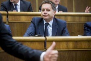 Minister financií Peter Kažimír počas hlasovania o rozpočte pre rok 2018.
