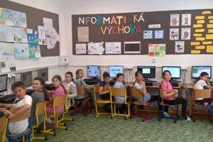 Učia sa programovať.