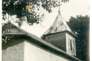 Kostol v Kalinčiakove na dobovom zábere.