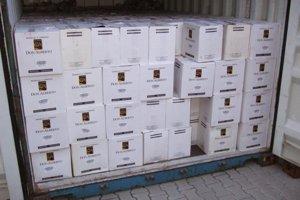 Slovenskí policajti zadržali zadržali 163,8 kilogramu absolútneho kokaínu v hodnote viac ako 1,6 miliardy korún (49,337.033 eur).