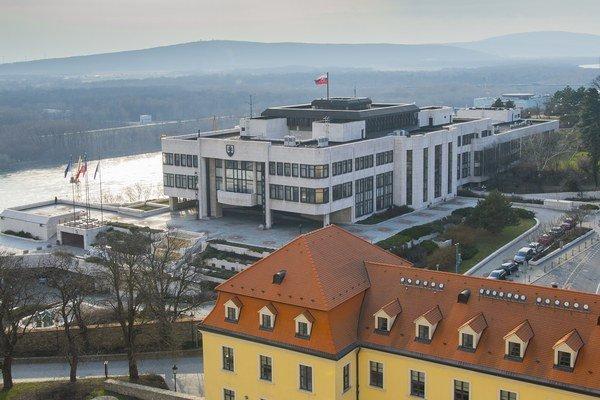 Voľby 2016 do parlamentu budú v marci.