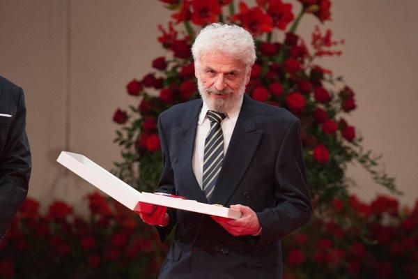 Fedor Gál si prebrel štátne vyznamenanie Rad Ľudovíta Štúra I. Poslanci Smeru a SNS by mu ho nedávali.