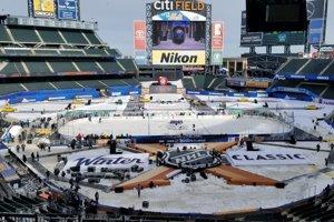 Štadión CitiField v New Yorku, dejisko duelu NHL Winter Classic medzi Buffaloom Sabres a New Yorkom Rangers.