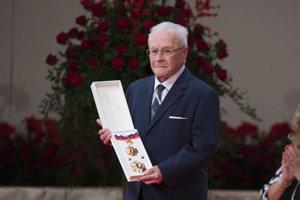 Účastník SNP Otto Šimko si prebral štátne vyznamenanie Rad Ľudovíta Štúra II. triedy.