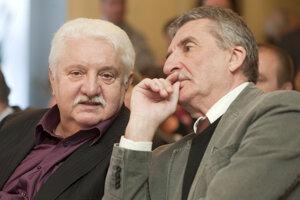 Na slávnostnom odovzdáváni Cien za celoživotné dielo a Výročných cien Literárneho fondu za divadelnú a rozhlasovú tvorbu 30. novembra 2009 s hercom Martinom Hubom.