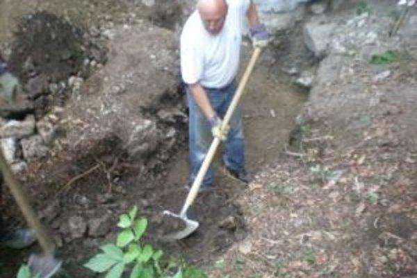 Archeologický výskum na viacerých miestach v okolí Banskej Bystrice priniesol v posledných rokoch pozoruhodné výsledky