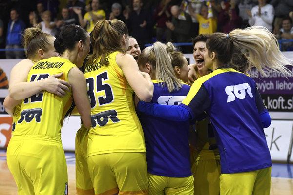 Gejzír košickej radosti po záverečnom klaksóne. Good Angels zmazali 14-bodové manko apostúpili už do štvrťfinále Európskeho pohára FIBA.