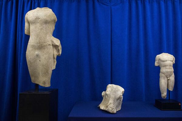 Historické artefakty dorazili do krajiny svojho pôvodu.