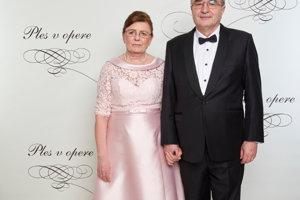 Jozef Makúch, guvernér NBS s manželkou