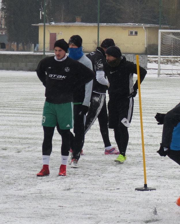 Zimná príprava. Černák (vpredu) počas včerajšieho tréningu.