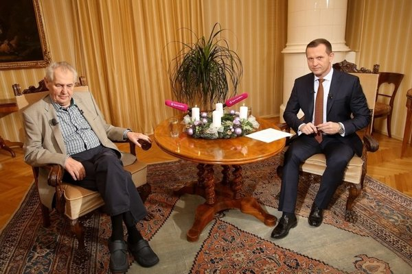 Zeman deň pred voľbami vystúpil v relácii Jaromíra Soukupa. Nepríjemných otázok sa báť nemusel.