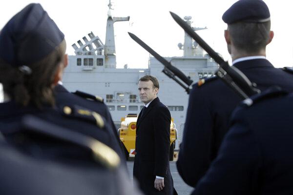 Macron sa prihovoril vojakom.