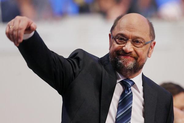 Predseda nemeckej SPD Martin Schulz na straníckom zjazde v Bonne.