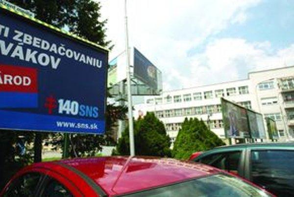 Veľké slovenské mestá hľadajú spôsob, ako sa vyrovnať so záplavou billboardov.