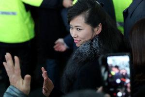 Speváčka a členka Strany práce Hjon Song-wol.