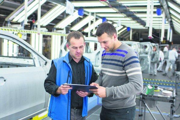 Spoločnosť Volkswagen Slovakia si špecialistov pre odborné útvary a manažérsky dorast pripravuje v Trainee programe.