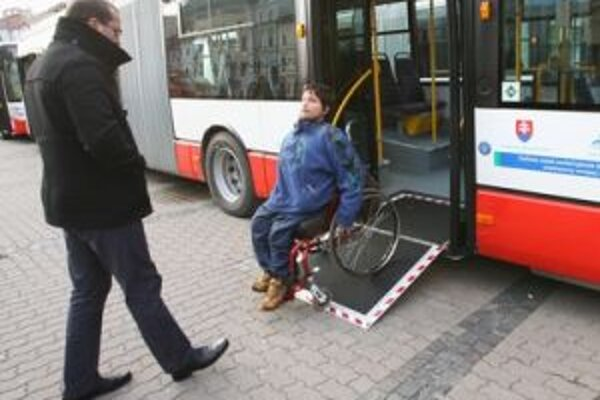 Nové ekologické autobusy prispejú k skvalitneniu životného prostredia v Banskej Bystrici