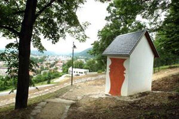 V dolnej časti kalvárie majú vyrásť rezidenčné vilky . Výška budov by mala byť do troch podlaží.