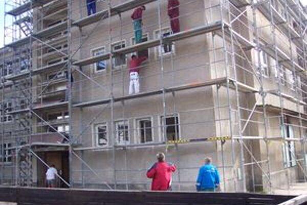 Súčasťou rekonštrukcie je aj zateplenie objektu.