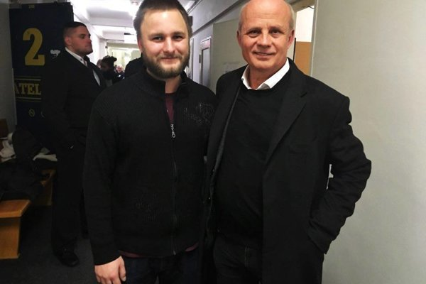 Robin Suchánek (vľavo) pôvodne podporoval Michala Horáčka aj Mareka Hilšera, v druhom kole zorganizoval koncerty na podporu Jiřího Drahoša.