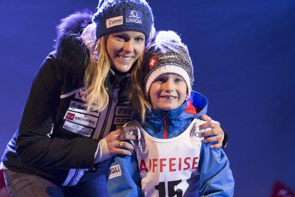 Na snímke slovenská slalomárka Veronika Velez- Zuzulová s vyžrebovaným štartovým číslom 15 pre zajtrajší slalom Svetového pohára.