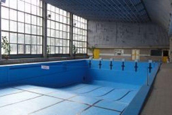 Bazén pred napustení vody.