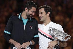 Roger Federer (vpravo) a Marin Čilič.