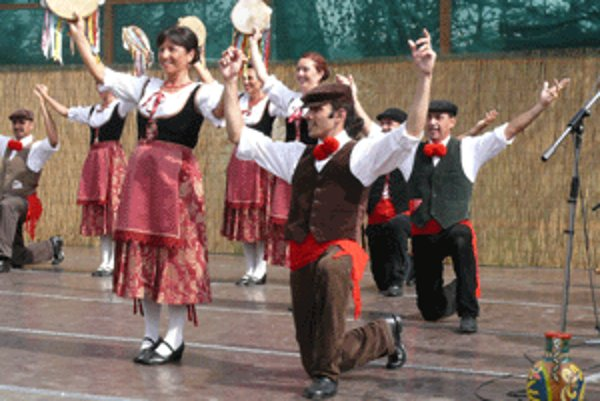 Folklórny súbor Akragas z talianskej Sicílie.