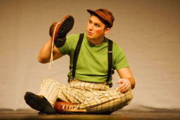 Malého Daniela, ktorý sa vyberie do sveta, stvárňuje Daniel Výrostek.