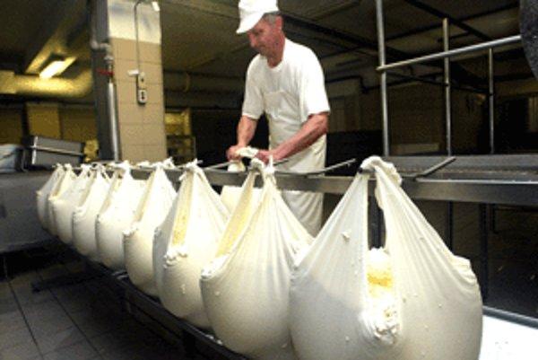 Letná bryndza je taká, v ktorej musí byť dodržaný najmenej 50-percentný podiel syra, vyrobeného z čerstvého ovčieho mlieka.