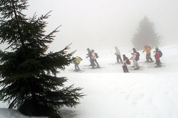 Výstup k Pamätníku obetiam lavíny nad Chatou Kubínska hoľa.