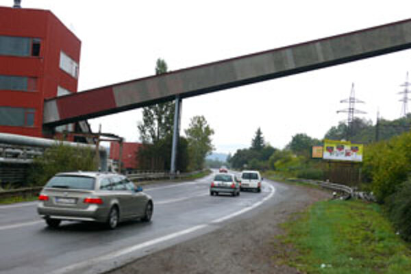 Sedemdesiatkou budú môcť vodiči jazdiť aj na časti Lučeneckej cesty.